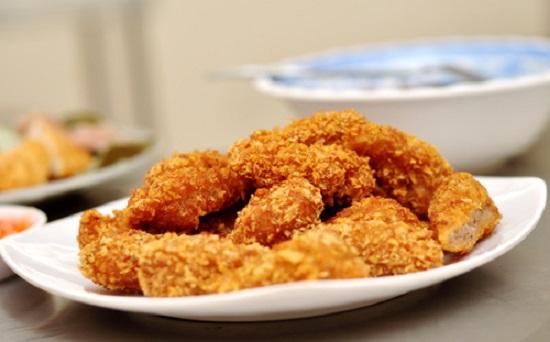 Tự làm nem chua rán Hà Nội tại nhà đơn giản khiến cả nhà thích mê