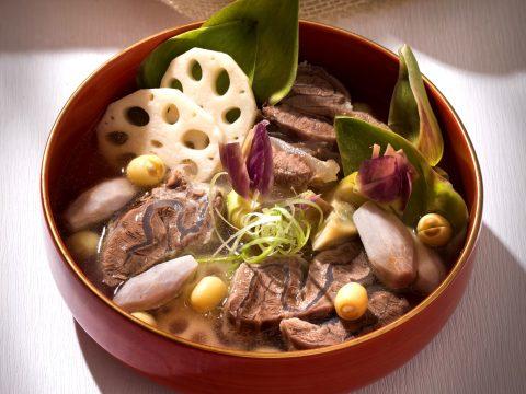 Dinh dưỡng đầy đủ và tốt cho sức khỏe với món thịt bò hầm thuốc bắc
