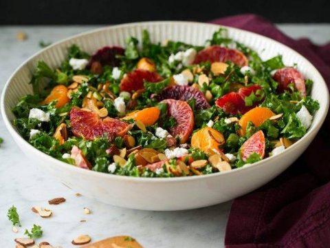 Bật mí công thức làm món salad cải xoăn cam cực dễ và dinh dưỡng