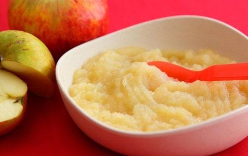 Món táo nghiền sẽ rất tốt cho hệ miễn dịch của bé.