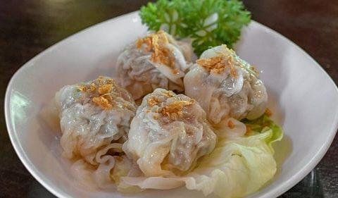 Món ăn đặc trưng của người Hoa trong dịp Tết ở Việt Nam