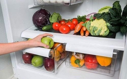 Sắp xếp các ngăn bảo quản trong tủ lạnh
