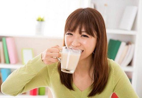 Ăn gì để dễ ngủ? 8 thực phẩm giúp ngủ ngon tới sáng!